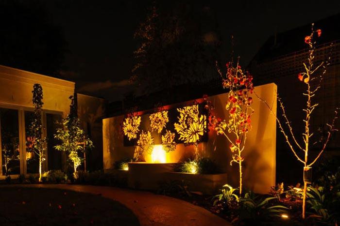 树叶耐候钢发光灯箱